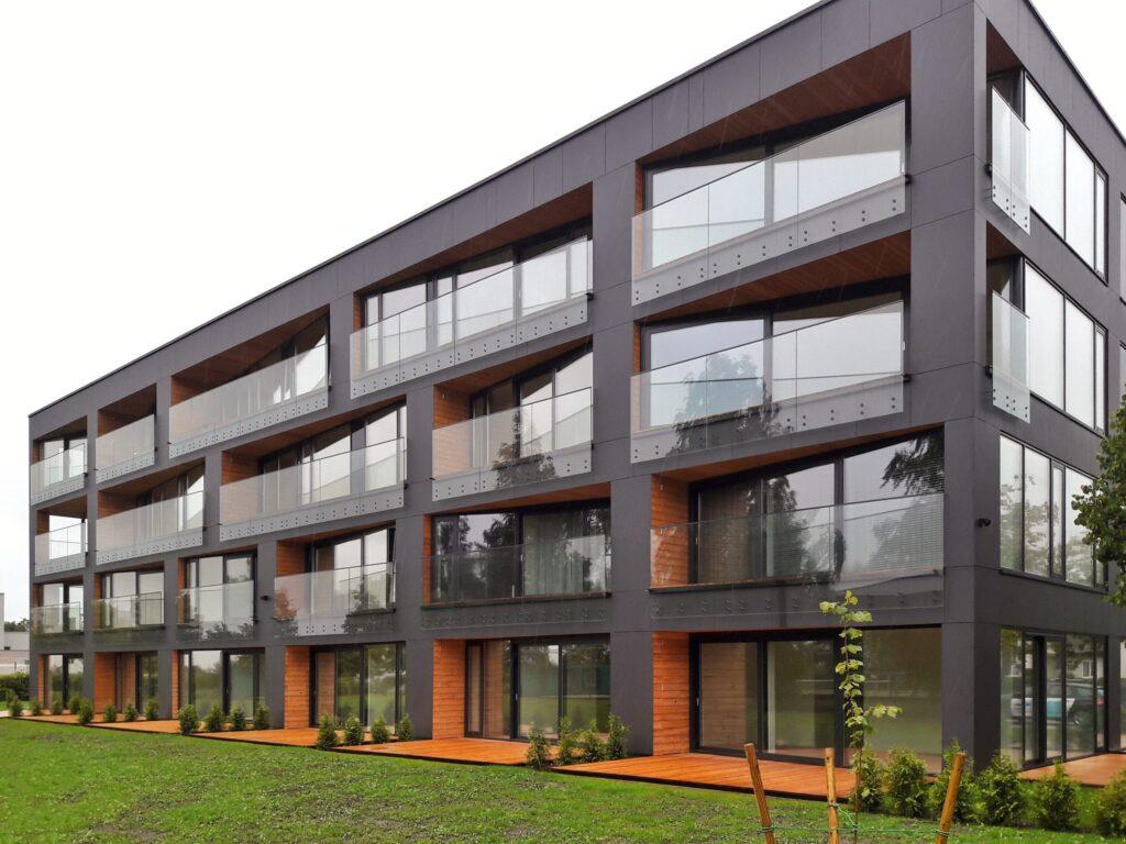 Krõdupiirded-malmerk-klaasiumlaaspiirded tõstavad hoone väärtust